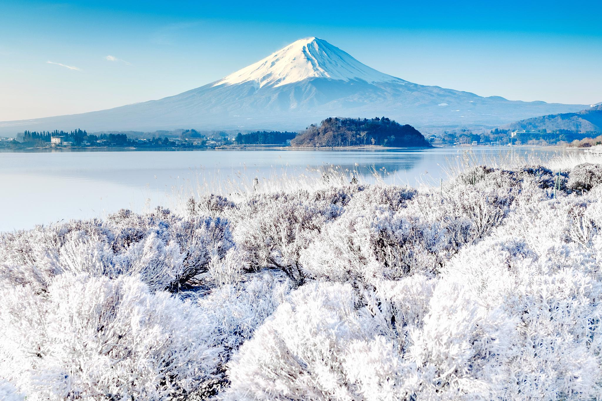 This peaceful imagery, however, makes it easy to forget that it's actually an active volcano with the power to decimate its surrounding areas in seconds. Mount Fuji Travel Guidebook Must Visit Attractions In Mount Fuji Mount Fuji Nearby Recommendation Trip Com