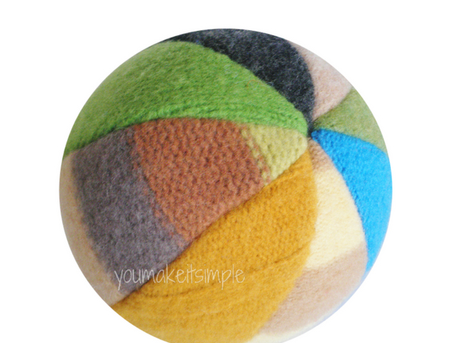 fabric beach Ball - youmakeitsimple.com