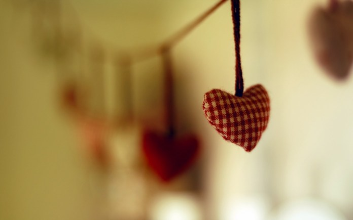 Love-Heart-Shaped-Wallpaper For Iphone