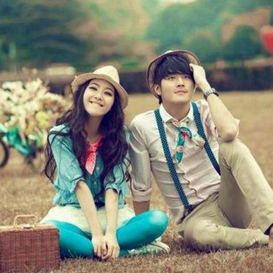 Cute-Couple-Love-Wallpaper For Iphone