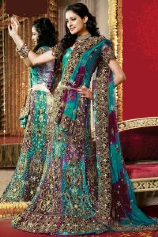 heavy embroidry bridal lehanga
