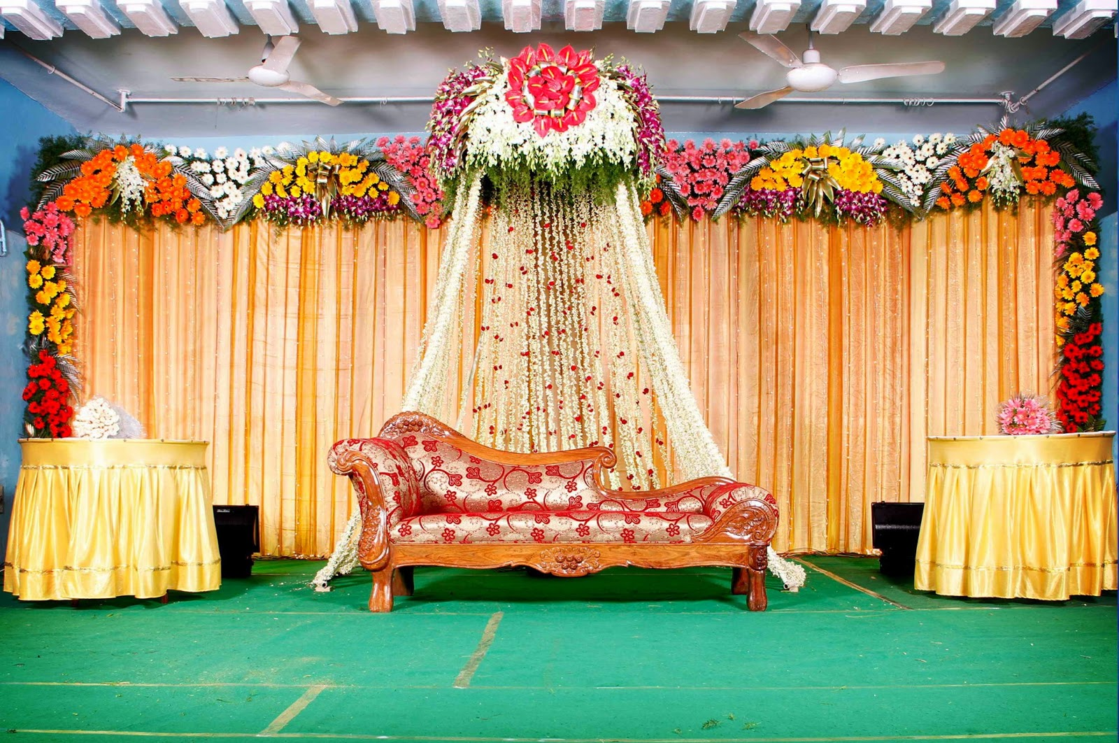 best wedding stage decoration idea for indian weddings. Black Bedroom Furniture Sets. Home Design Ideas