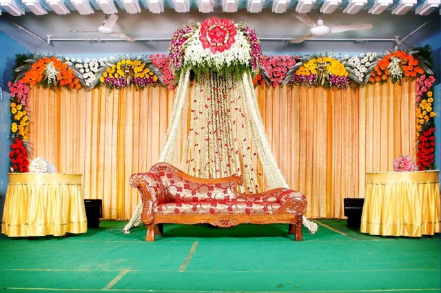Latest wedding stage decoration themes
