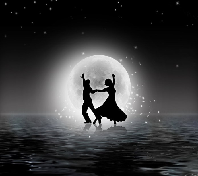 couple dancing in love imagaes