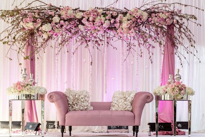 Best wedding stage decoration idea for indian weddings wedding decoration ideas junglespirit Images