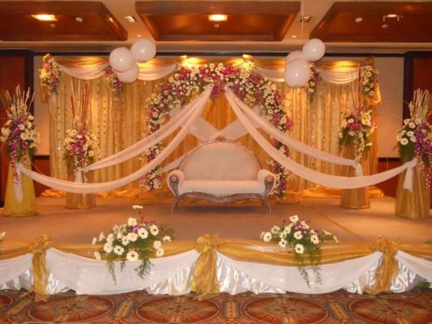 Best wedding stage decoration idea for indian weddings for Hall decoration design