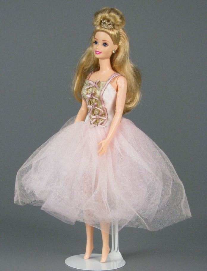 barbie doll wallpapers for mobile