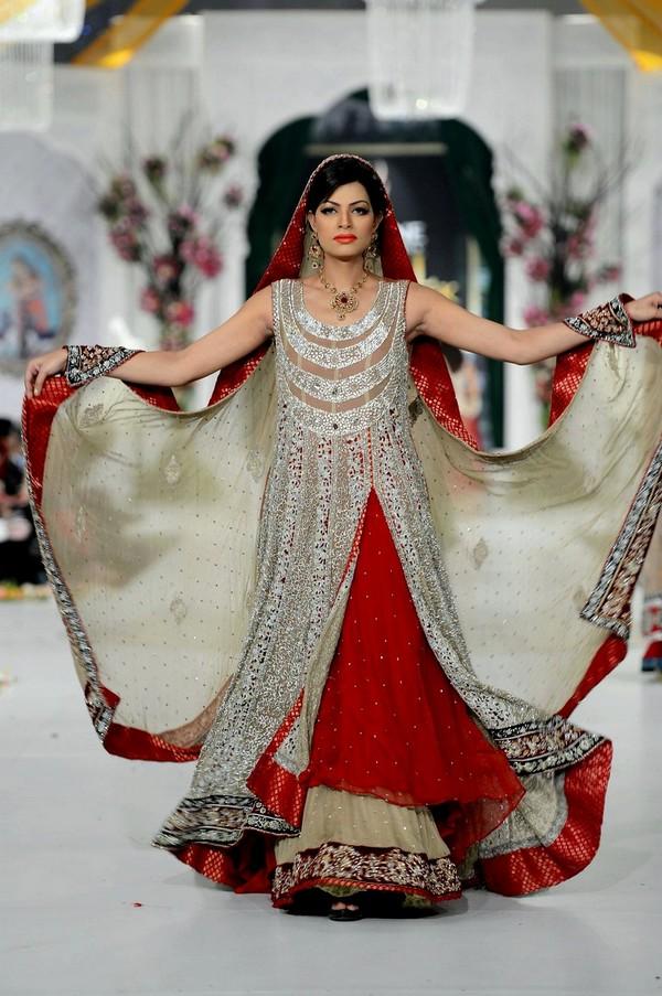 Red beautiful pakistani bridal wedding dress