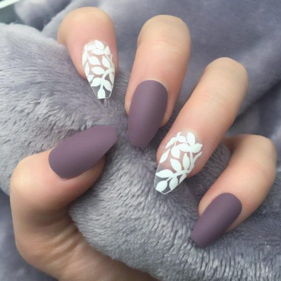 Remove Acrylic Nails. A Woman With Acrylic Fingernails. How To Apply ...