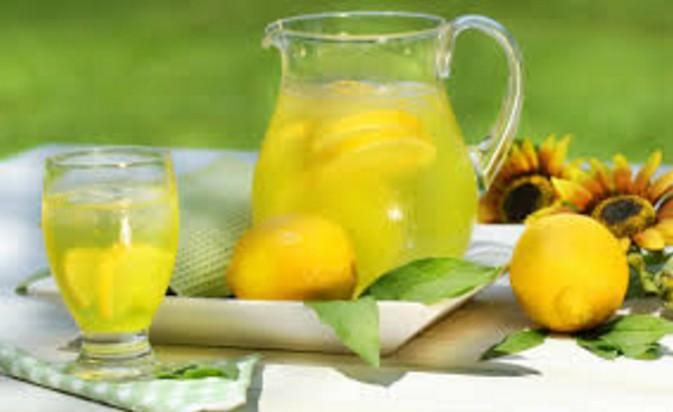 Lemon juice Home Remedies To Treat Dandruff How To Stop Dandruff Through Home Remedies remedies to get rid off from dandruff.