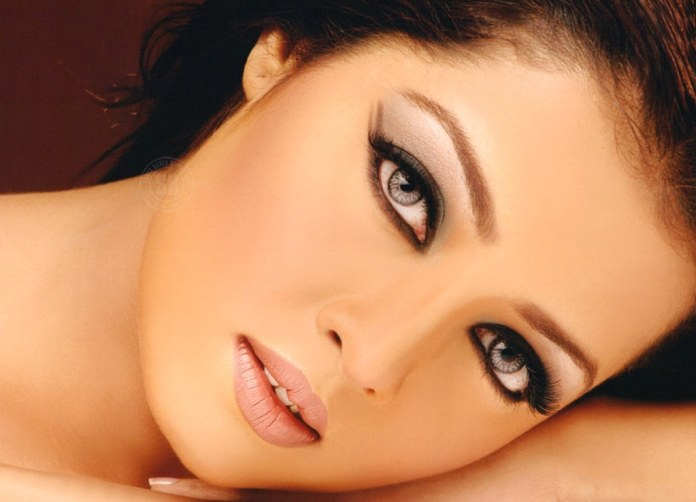 celina jaitley most beautiful eyes in the world beautiful actress eyes