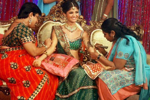 Mehndi Party List : Top best mehndi songs list latest may
