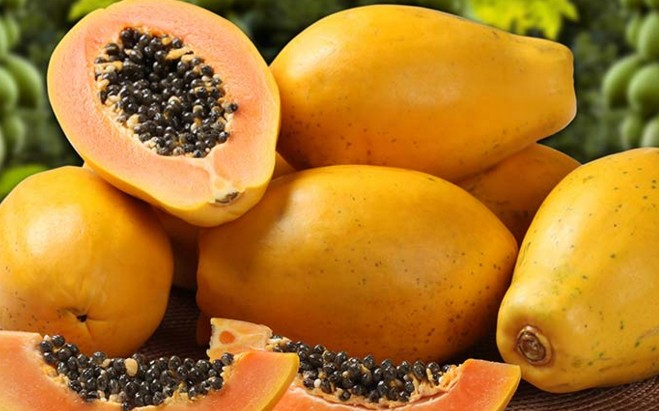 Papaya To Cure Pimple On Forehead