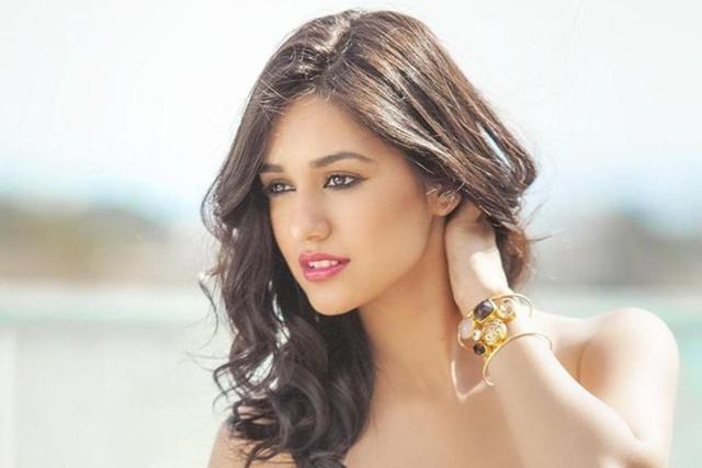 disha-patani-hot-actress-most-beautiful-actress-beautiful-women-in-india