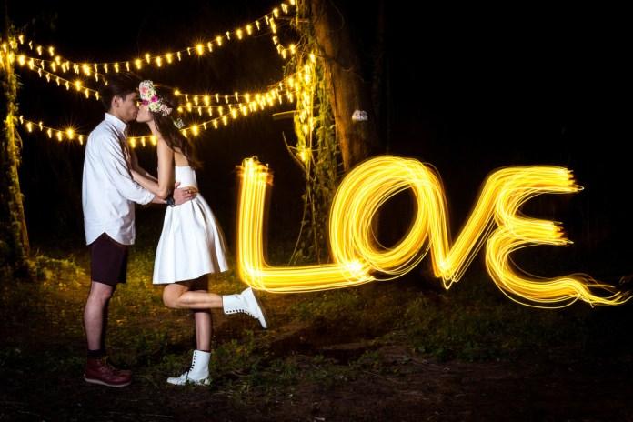 diy props for pre wedding shoot