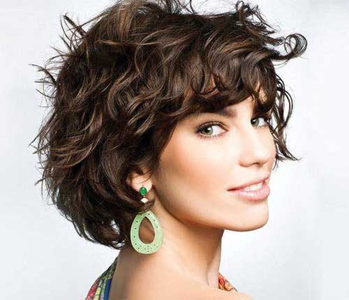 short length wavy haircut ideas