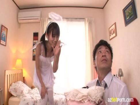 ペチャパイの美少女と自宅でセックスする白人美少女セツク動画