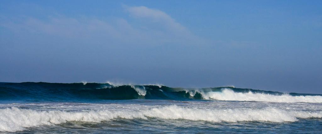 Hikkaduwa reef surf