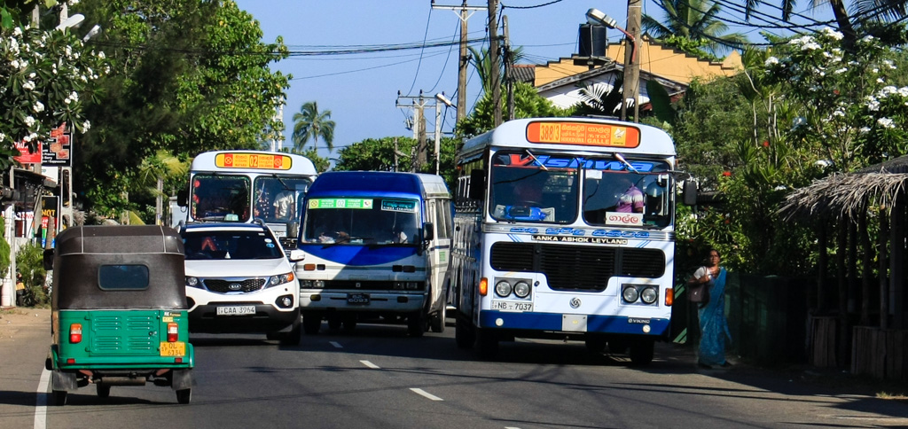Hikkaduwa buses