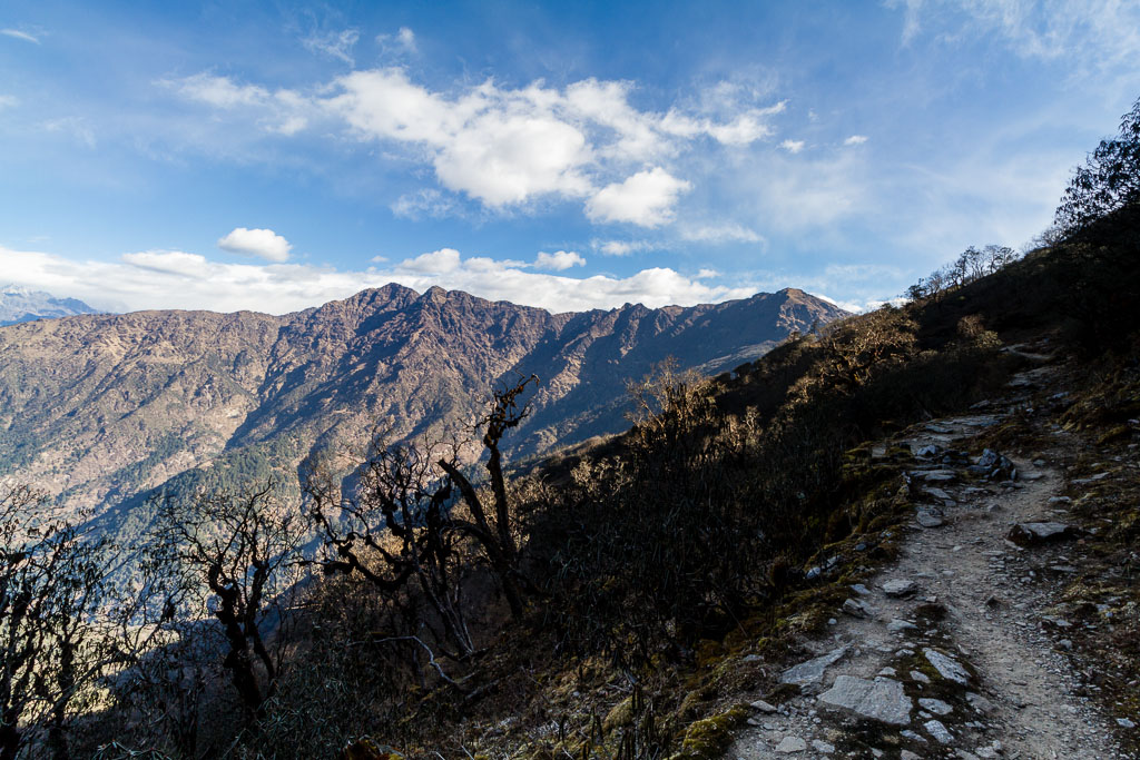 The trail to Lukla from Shivalaya