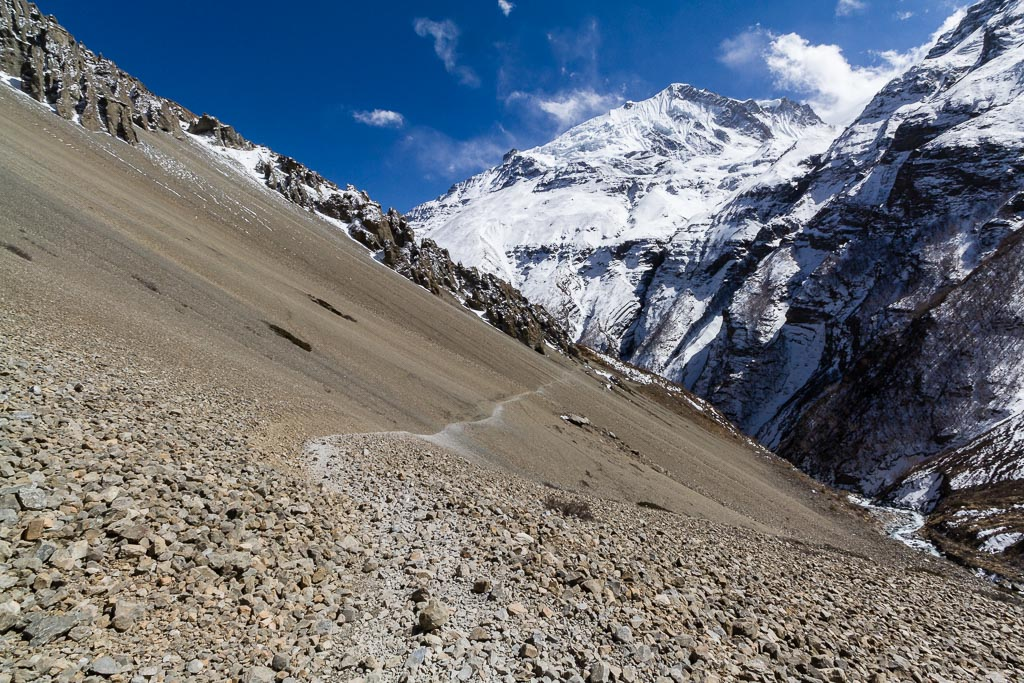 The start of the scree field near Tilicho Base Camp