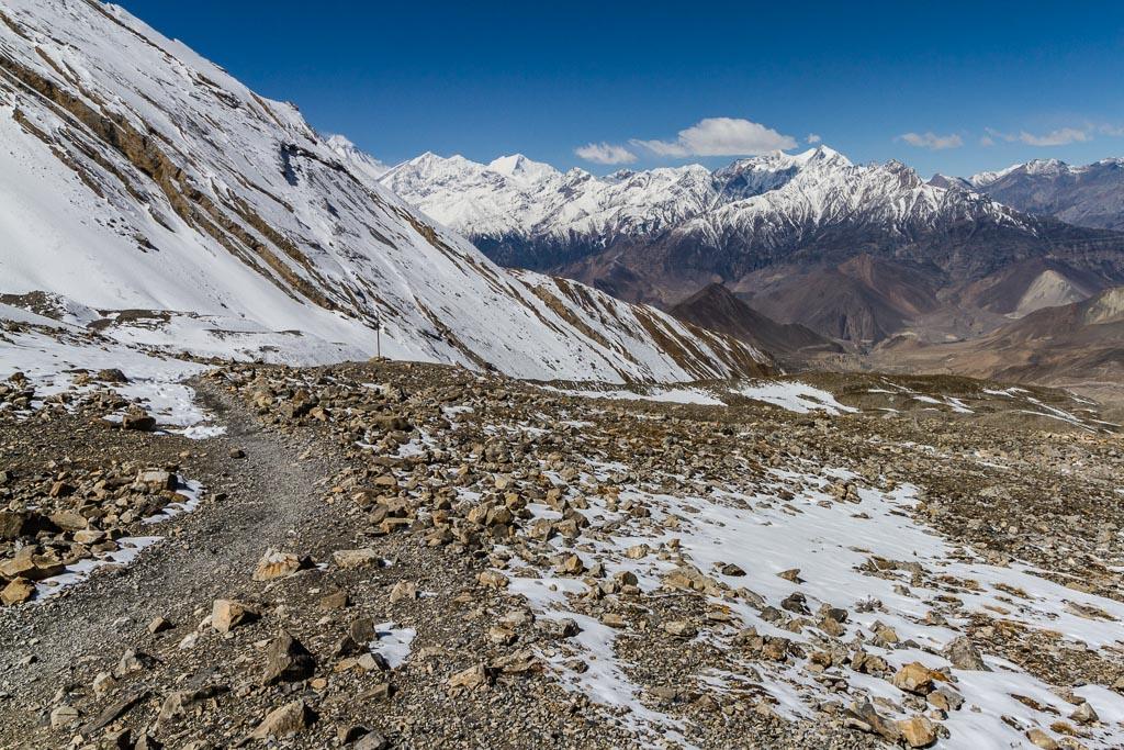 The trail into the Kali Gandaki valley