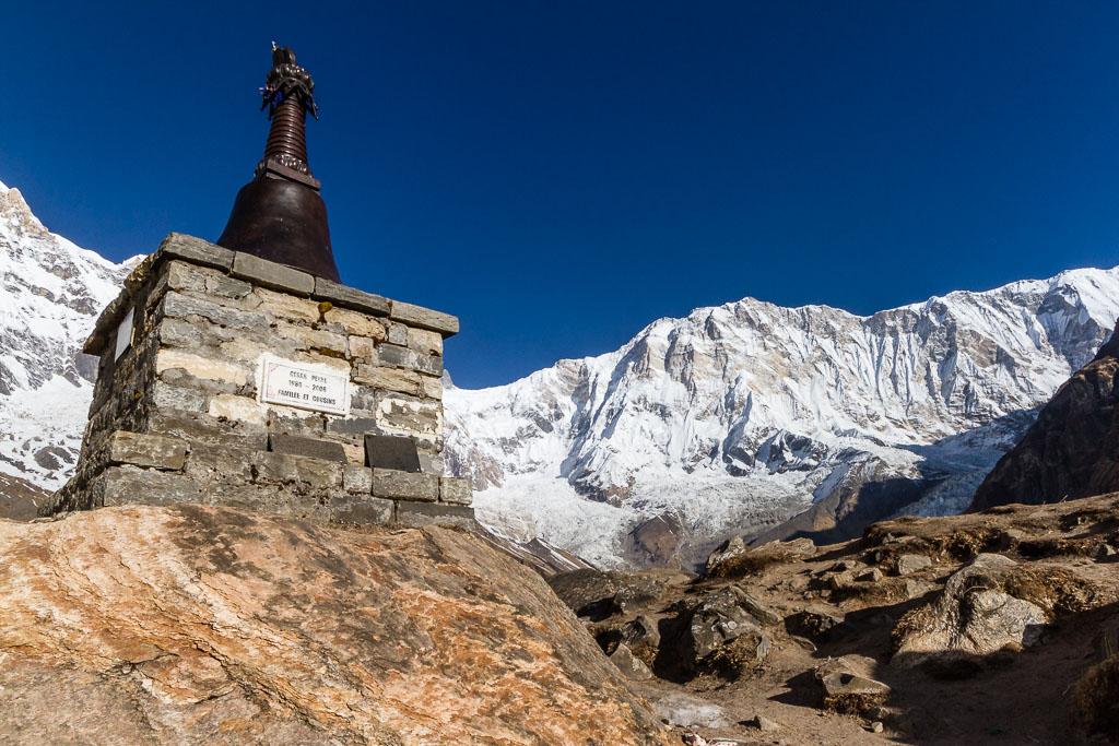 Memorial to a dead climber