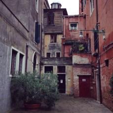 @youneedacocktail on instagram - Ghetto nuovo, Venice