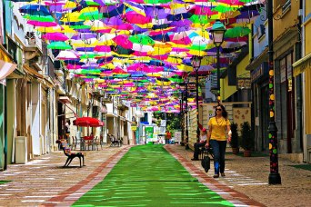 floating-umbrellas-agueda-portugal-2014-1