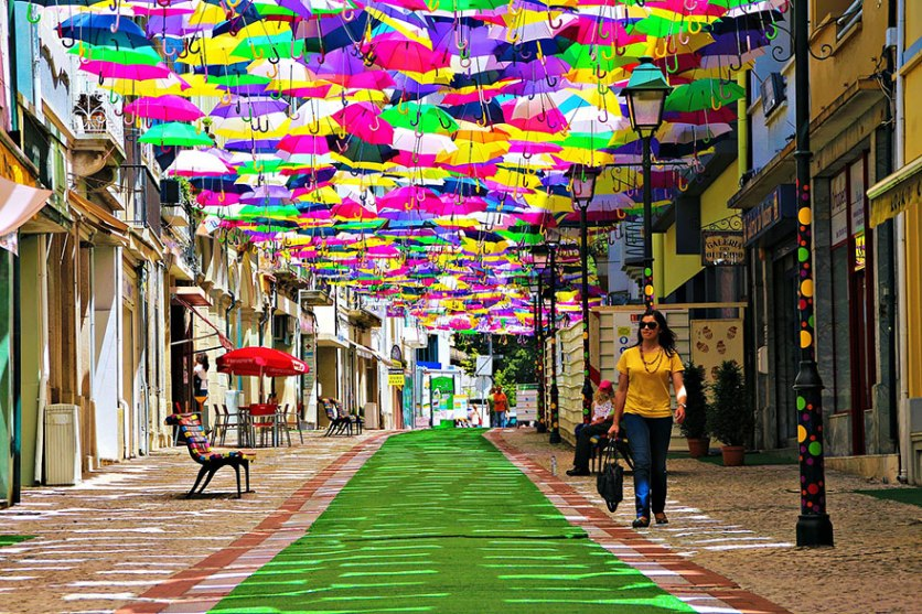 floating-umbrellas-agueda-portugal-2014-1