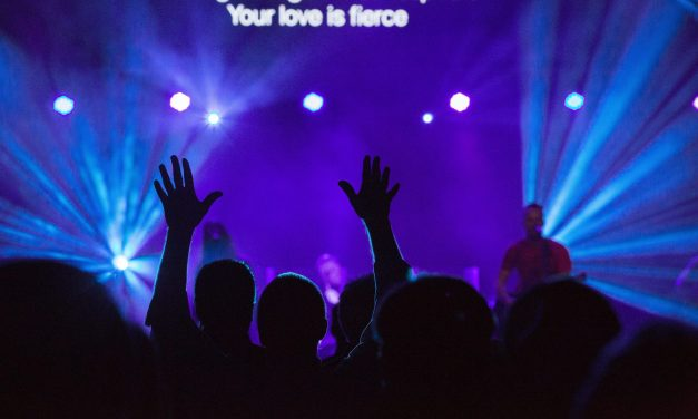 Looking at the Allure of the Megachurch