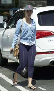 Jessica-Lowndes-in-Purple-Tights--03