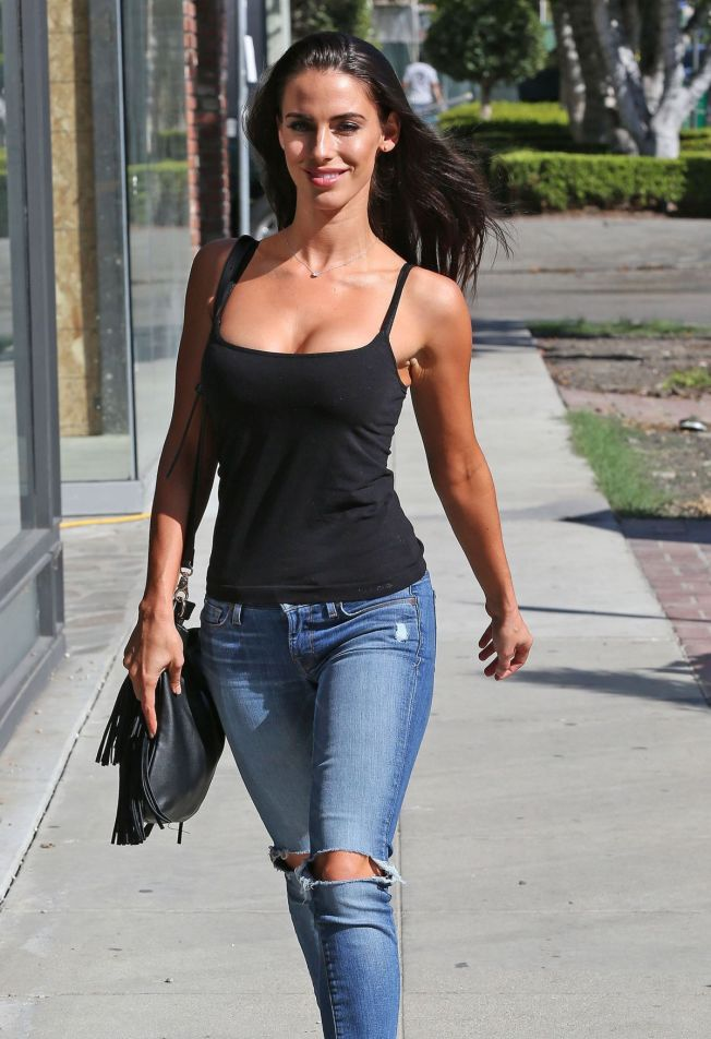 jessica-lowndes-in-ripped-jeans-out-in-los-angeles-10-21-2015_2