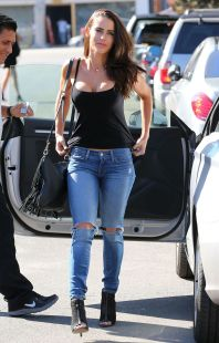 jessica-lowndes-in-ripped-jeans-out-in-los-angeles-10-21-2015_7