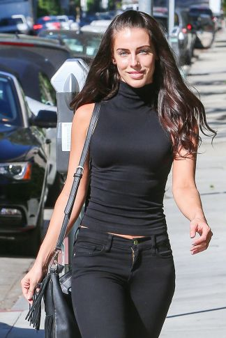 jessica-lowndess-out-shopping-at-rag-bone-in-los-angeles-10-26-2015_2