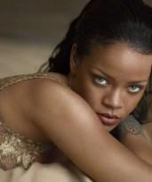 Rihanna--Vogue-Magazine-2016--02-662x792