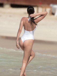 bella-hadid-butt-thong-swimsuit-0405-08-compressed