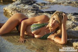 kelly-rohrbach-in-sports-illustrated-swimsuit-issue-2016_18