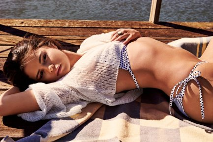 Selena-Gomez-5-3