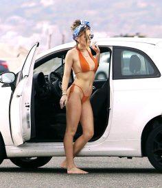 Bella-Thorne--Bikini-Photoshoot-2016--06-662x773