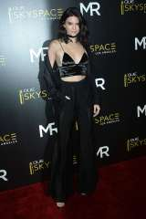 Kendall-Jenner--Launch-Of-OUE-Skyspace--10