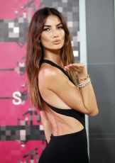 lily-aldridge-at-mtv-video-music-awards-2015-in-los-angeles_8