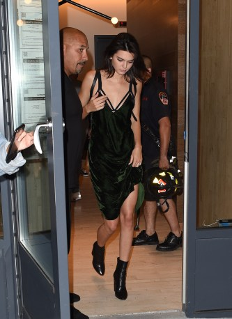 8 September 2016. The Fire Brigade had to be called to Kylie Jenners New York apartment today when, Kylie Jenner, Kendall Jenner & Hailey Baldwin were stuck in an elevator, security were seen calling the fire brigade as the girls were stuck for 45 minutes, Tyga was seen arriving at the apartment to help rescue them. Credit: Neil Warner/GoffPhotos.com Ref: KGC-195