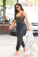 kim-kardashian-out-and-about-in-new-york-09-09-2016_7