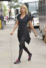 taylor-swift-at-the-gym-in-new-york-city-09