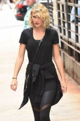 taylor-swift-leaves-a-gym-in-new-york-09-07-2016_17
