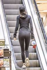 kendall-jenner-in-tights-shopping-18
