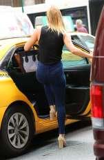 nina-agdal-booty-in-jeans-10