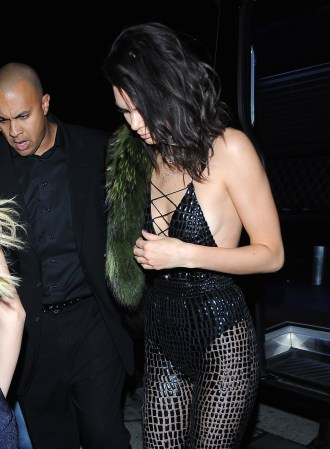 52221411 Friends and family attend Kendall Jenner's birthday at Catch restaurant party in West Hollywood, California on November 2, 2016. FameFlynet, Inc - Beverly Hills, CA, USA - +1 (310) 505-9876