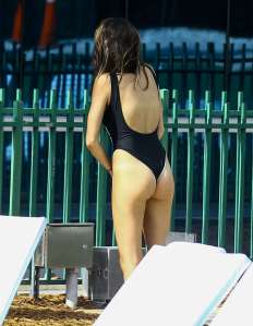 madison-beer-in-black-swimsuit-2017-29